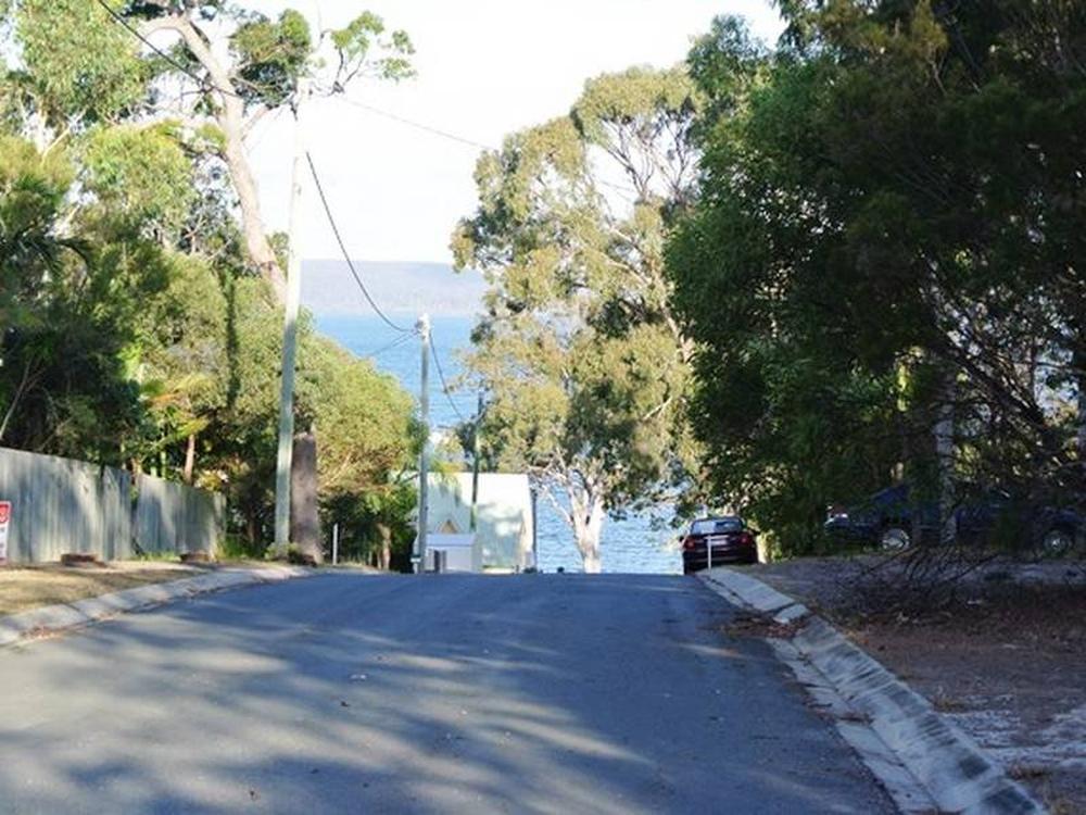 24 Oomool Street Macleay Island, QLD 4184