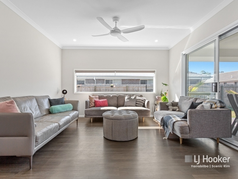 17 Windsor Avenue Yarrabilba, QLD 4207