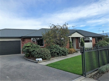 32 Silverstream Drive Mosgielproperty carousel image