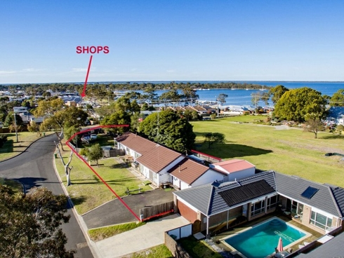1 Toonalook Parade Paynesville, VIC 3880