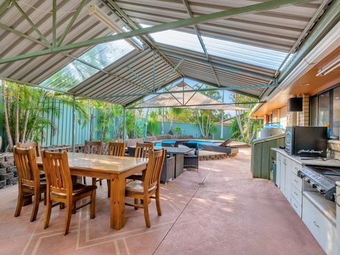2 Heywood Place Helensvale, QLD 4212