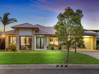 51 Hawkesbury Avenue Pacific Pines , QLD, 4211