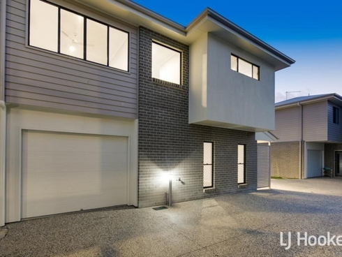 2/190 James Street Redland Bay, QLD 4165