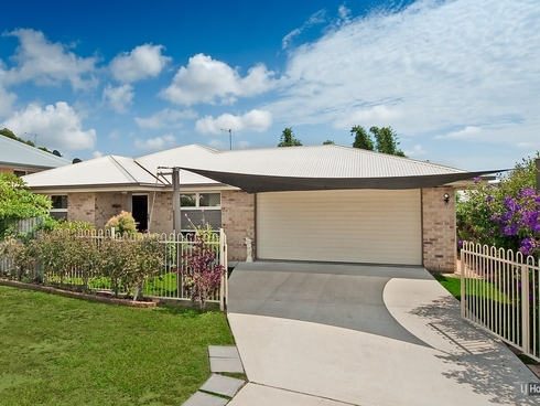 7 Fairlie Court Kallangur, QLD 4503