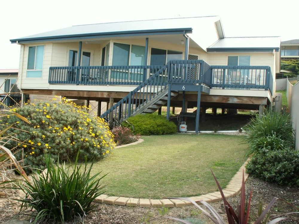 6 Pilot Crt Encounter Bay, SA 5211