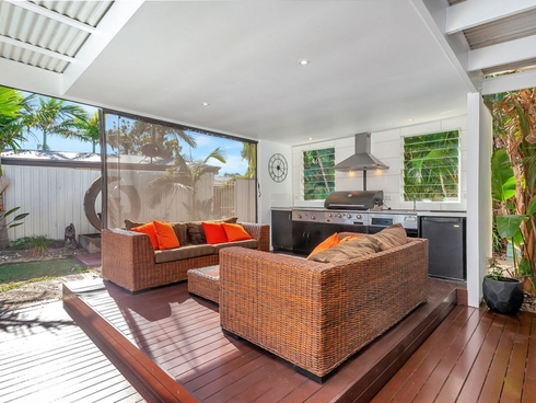 49 Honeyeater Drive Burleigh Waters, QLD 4220