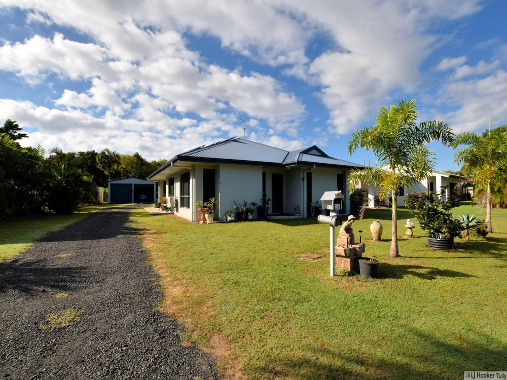 12 Muir Street Tully Heads, QLD 4854