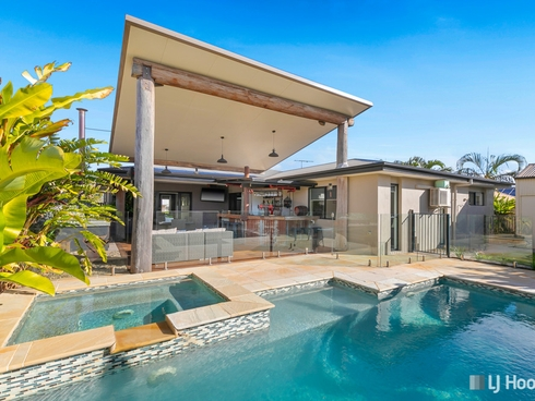12 Daly Place Redland Bay, QLD 4165