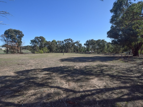 36 Rowleys Road Young, NSW 2594