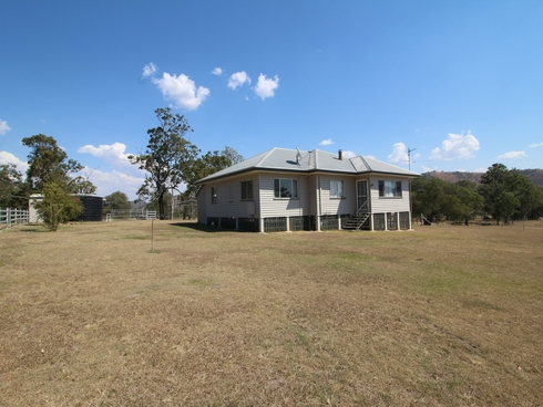 227A Hawthorne Road Linville, QLD 4314