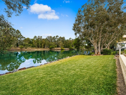 17 Glenwood Place Twin Waters, QLD 4564