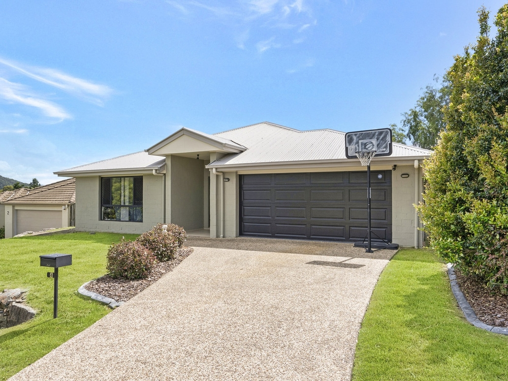 4 Tallow Street Pacific Pines, QLD 4211