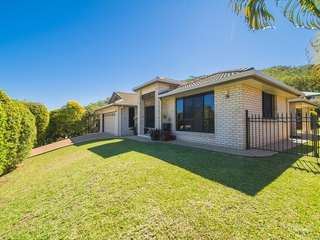 49 Sunset Drive Norman Gardens , QLD, 4701