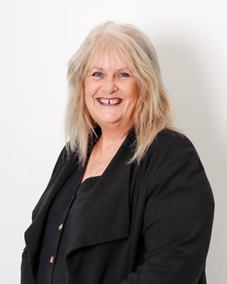 Marian Bolton profile image