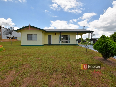 10 Maple Terrace Tully, QLD 4854