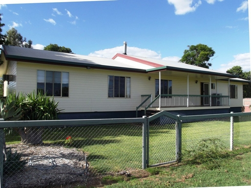 8 Melrose Drive Clermont, QLD 4721