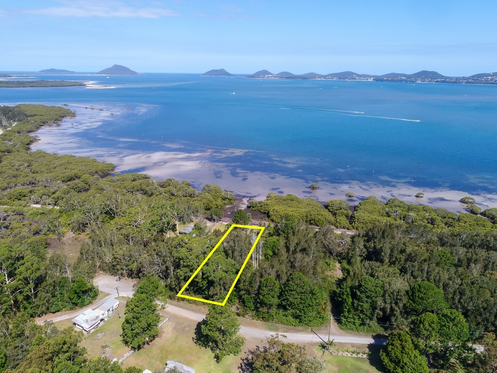 10 Curlew Avenue Pindimar, NSW 2324