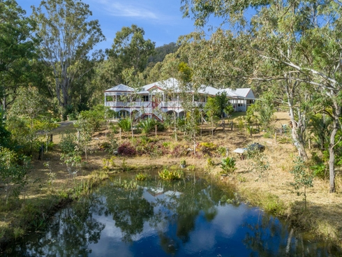 101 Gray Road Canungra, QLD 4275