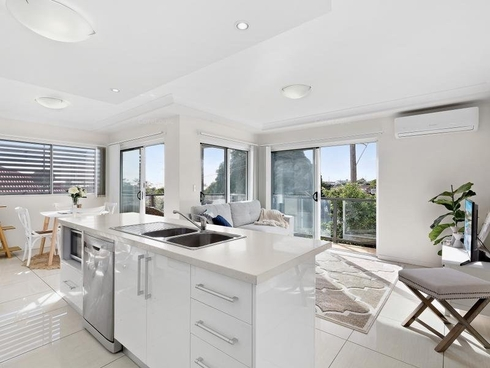 5/60 Ernest Street Manly, QLD 4179