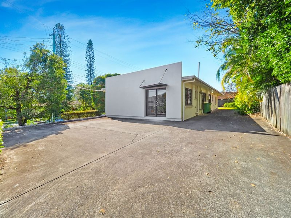 1 Briggs Road Springwood, QLD 4127