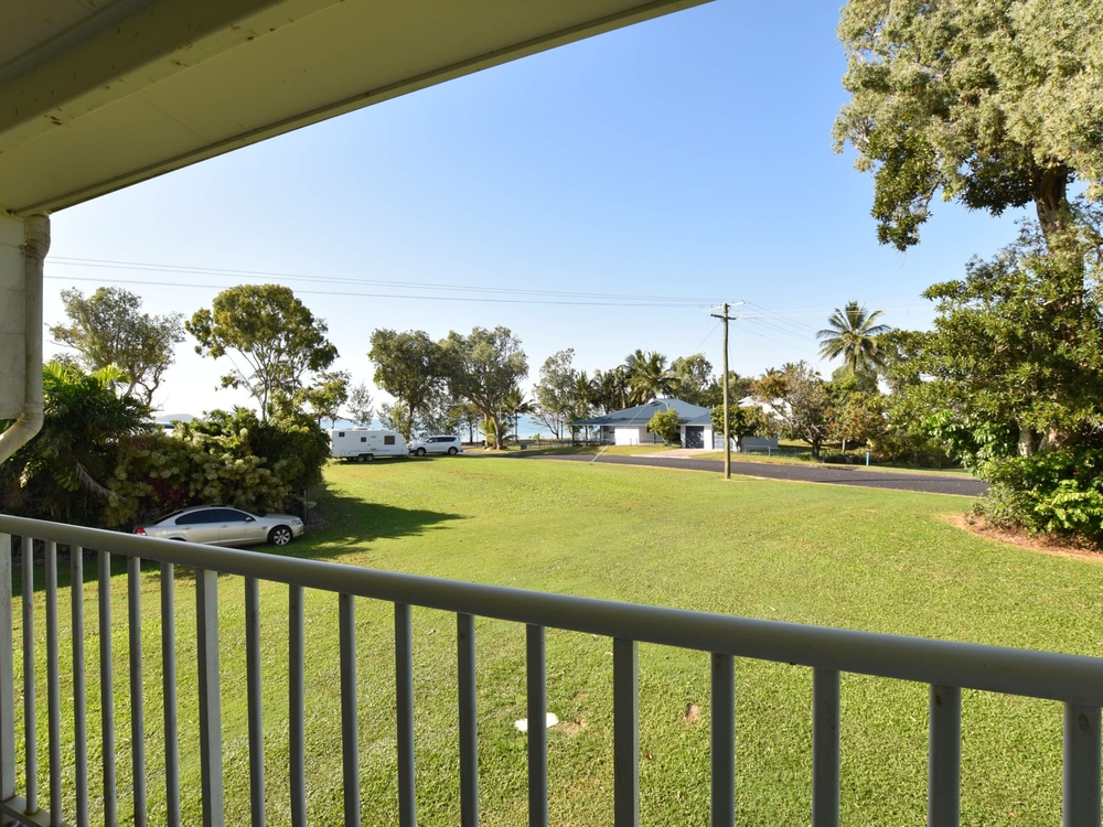 50-52 Seafarer Street South Mission Beach, QLD 4852
