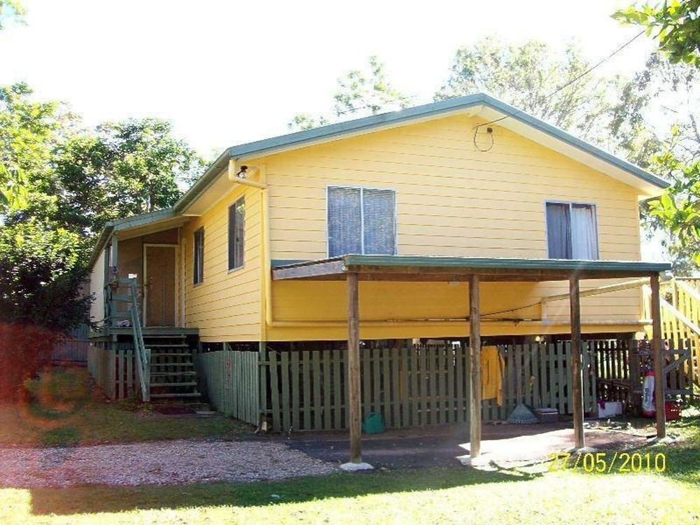 2 BOXWOOD AVE Lamb Island, QLD 4184