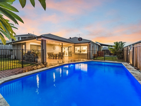 6 Hollanders Crescent Ormeau Hills, QLD 4208