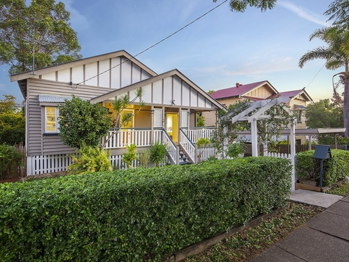 27 Livingstone Street Yeerongpilly, QLD 4105