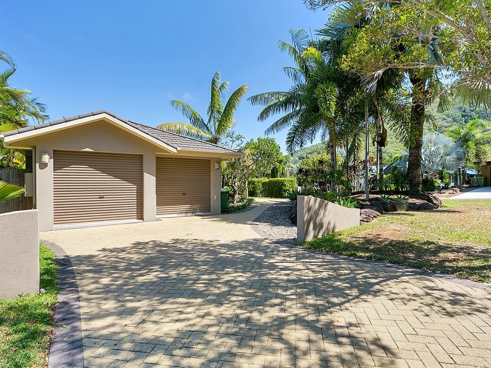 5 Macarthur Close Palm Cove, QLD 4879