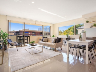 204/5 Chester Terrace Southport , QLD, 4215