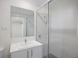32a Creswell Street Wadalba, NSW 2259