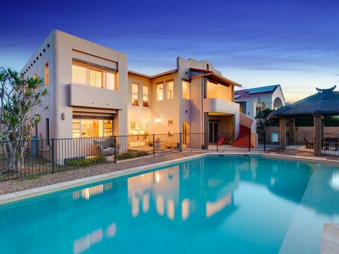35 Raby Bay Boulevard Cleveland, QLD 4163