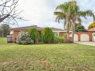 39 Bamarook Crescent Glenfield Park , NSW, 2650