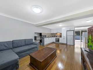 14 Griffith Street Mannering Park , NSW, 2259