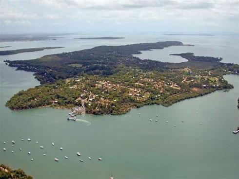30 Mango Crescent Macleay Island, QLD 4184