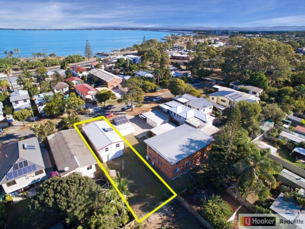 8 Short Street Woody Point, QLD 4019
