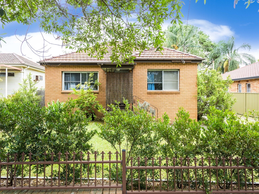 257 Taren Point Road Caringbah, NSW 2229