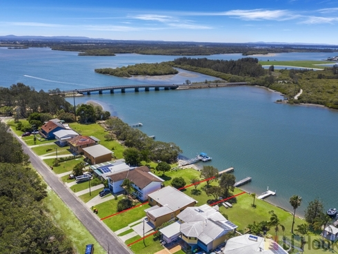 23 Oyster Channel Road Micalo Island, NSW 2464
