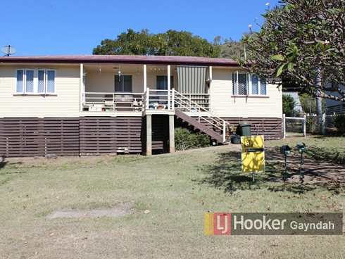 98 Porter Street Gayndah, QLD 4625