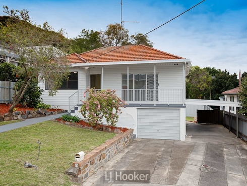 15 Daydawn Avenue Warners Bay, NSW 2282