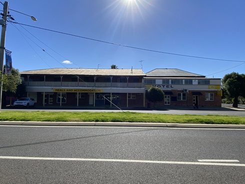 21 Cambridge Street Mitchell, QLD 4465