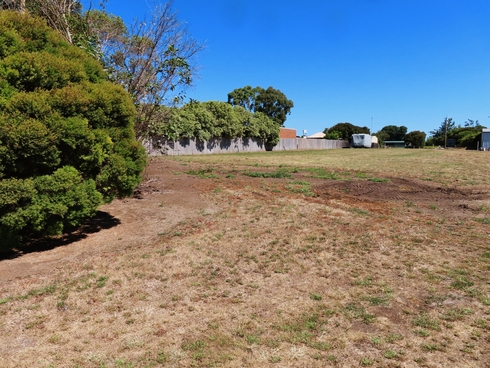 Lot 9/93 Queen Street              1/2 ACRE BLOCK Rosedale, VIC 3847
