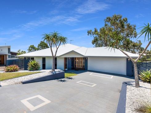 10 Sweetwater Court Ashfield, QLD 4670