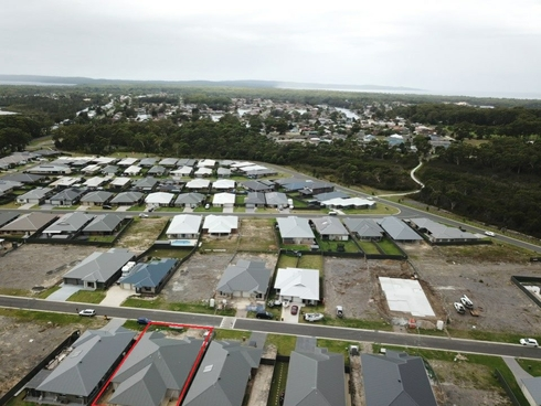 2/18 Hastings Parade Sussex Inlet, NSW 2540