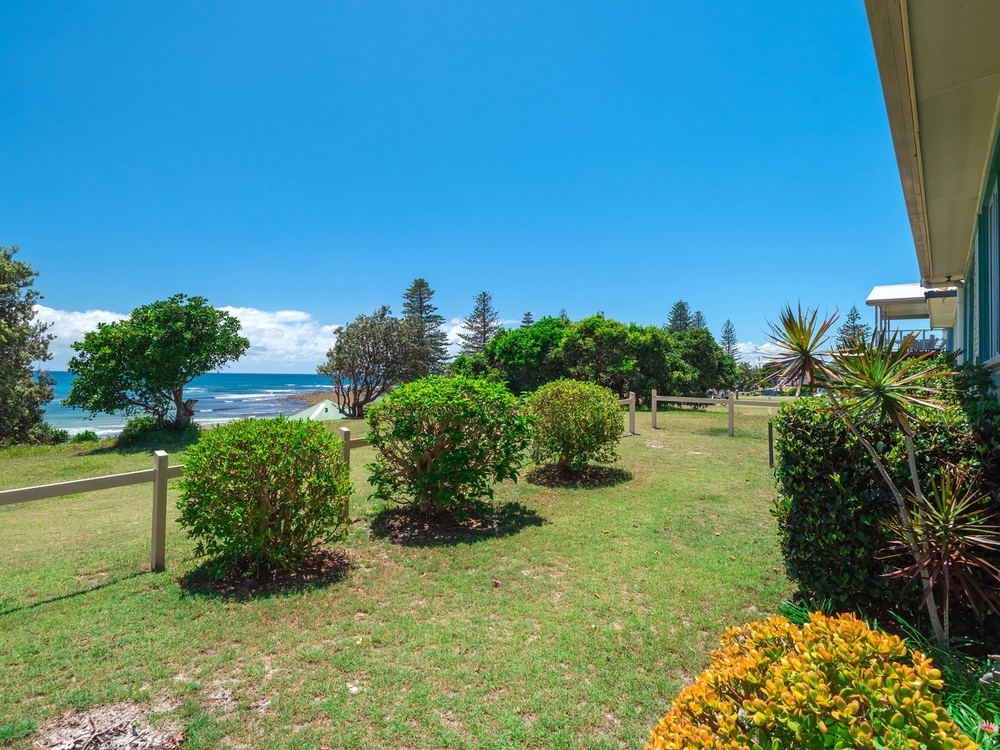 65 Ocean Road Brooms Head, NSW 2463