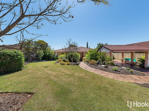 27 Beckley Circle Leeming, WA 6149
