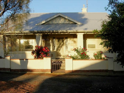 7 Murray Terrace Port Elliot, SA 5212