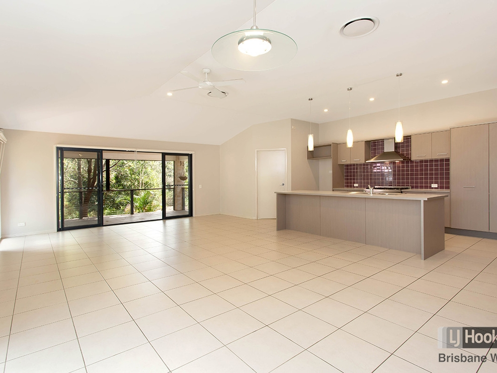 23 Courtney Place Moggill, QLD 4070