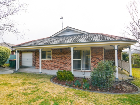 1b Sandalwood Drive South Bowenfels, NSW 2790