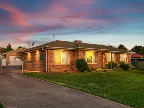 89 Blackett Avenue Young, NSW 2594